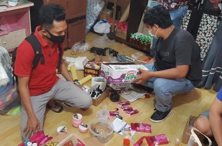Polisi Amankan Puluhan Paket Kosmetik Ilegal
