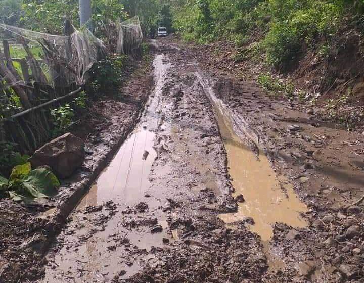 Tertimbun Longsor, Akses Jalan ke Talapiti Sulit Dilewati