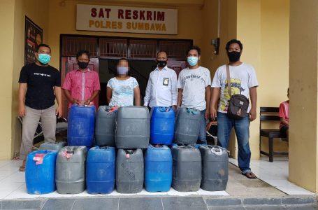 Polres Sumbawa Sita Ratusan Liter Moke