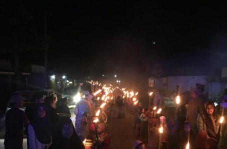 Di Desa Maria, Pawai Obor Menyambut Bulan Suci