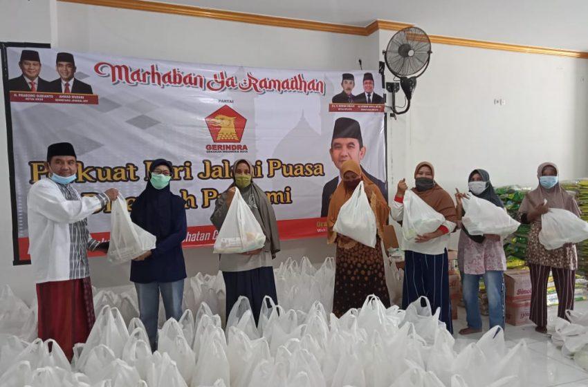 Ansori Bagikan Ribuan Paket Sembako kepada Tukang Ojek hingga Guru Ngaji