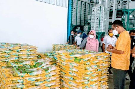 Kunjungi Pabrik Beras di Sumbawa, Gubernur NTB: Produk Industri Lokal Kita Luar Biasa