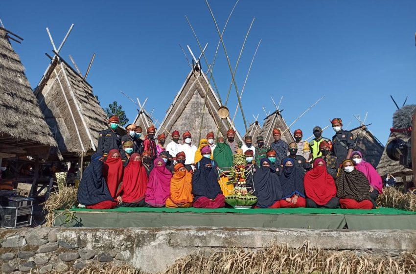 Pawai dan Festival Budaya Warnai Hari Jadi Desa Maria