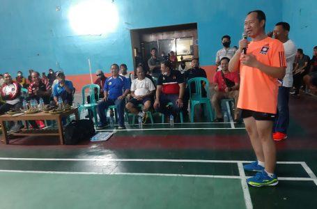 Rudi Mbojo Ramaikan Eksebisi Badminton Sumbawa Legend